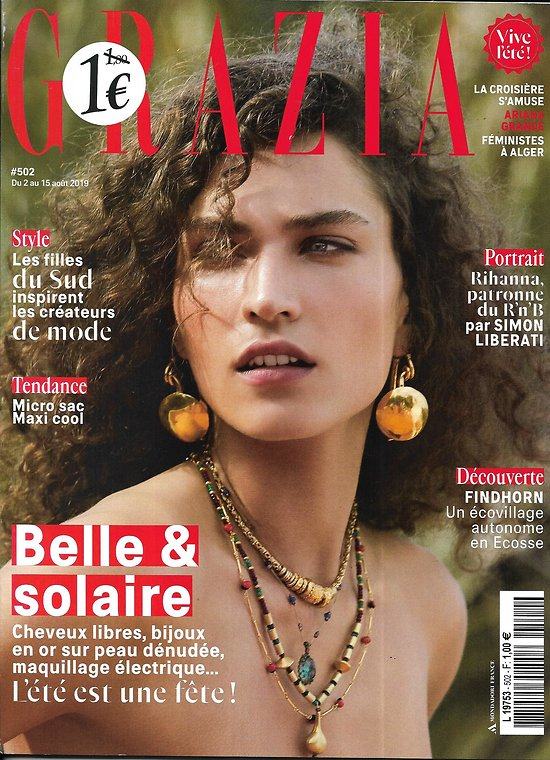 GRAZIA n°502 02/08/2019  Belle & solaire/ Rihanna/ Filles du Sud/ Calvi on the Rocks/ Street style photo