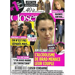 CLOSER n°228 24/10/2009  Angelina Jolie & Brad Pitt/ Britney Spears/ Secret Story/ Carmen Electra