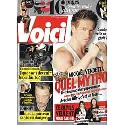VOICI n°1161 06/02/2010  Mickaël Vendetta/ Brad Pitt & Angelina Jolie/ Johnny Hallyday/ Carla Bruni/ Saint-Valentin