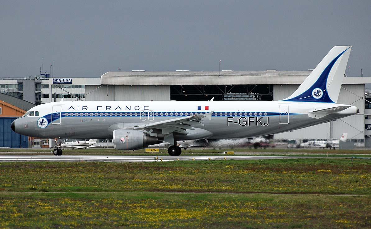 A320_AF_F-GFKJ_75e_Ann.jpg