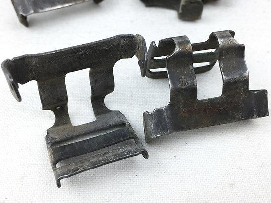 CLIPS DE JUGULAIRE US M-1 / NOIR / M1958 / VIETNAM