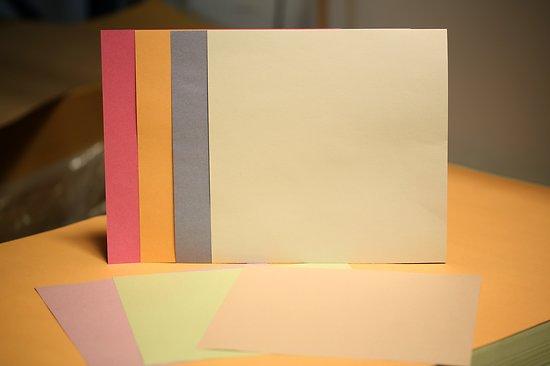 Papier recyclé 100gr format 30x30cm