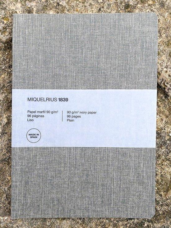 Carnet en lin gris ligné 14.8x21cm