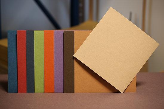 Papier scrapbooking cartonné recyclé  30x30cm 650 gr