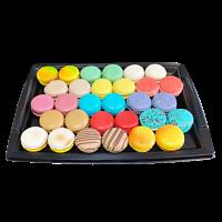 Plateaux pvc rigide noir de 24 véritables macarons artisanaux