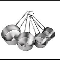 L'ensemble se compose de 4 casseroles