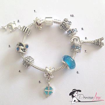 Bracelet-charms-bleu-sabrina-B-publi.jpg