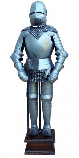 Armure médiévale avec arme