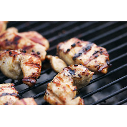 Barbecue de poulet aux fruits grillés