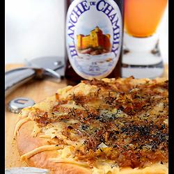 Pizza blanche québécoise à la bière
