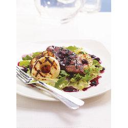 Salade tiède de foie de veau aux bleuets