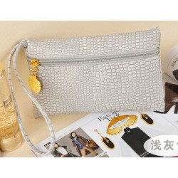 pochette imitation croco