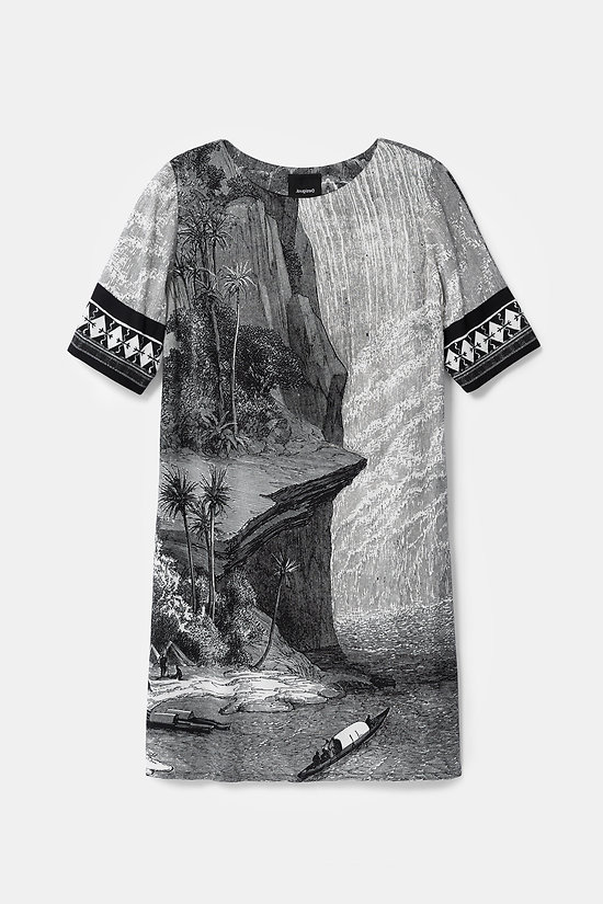 Robe t-shirt Designed by M. Christian Lacroix