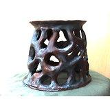 Support pour poterie ou objet, pouvant servir de corbeille en le retournant