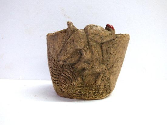 Gobelet  sculpté, peut servir de contenant pour ikebana