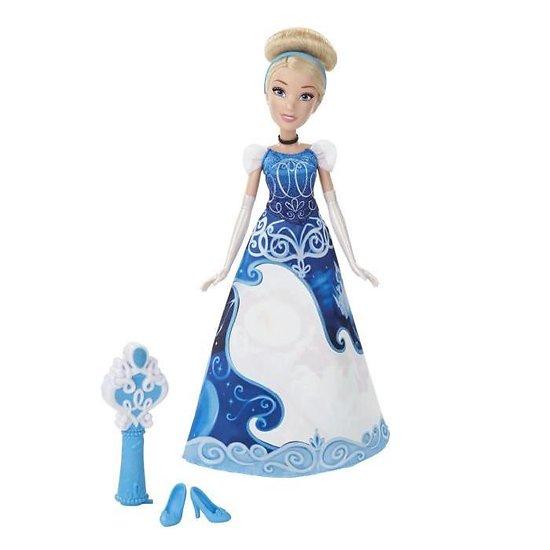 Poupée CENDRILLON robe magique